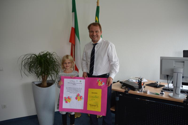 Projekt mehr Freiraum für Kinder Gewinnerin des Luftballonwettbewerbs steht fest