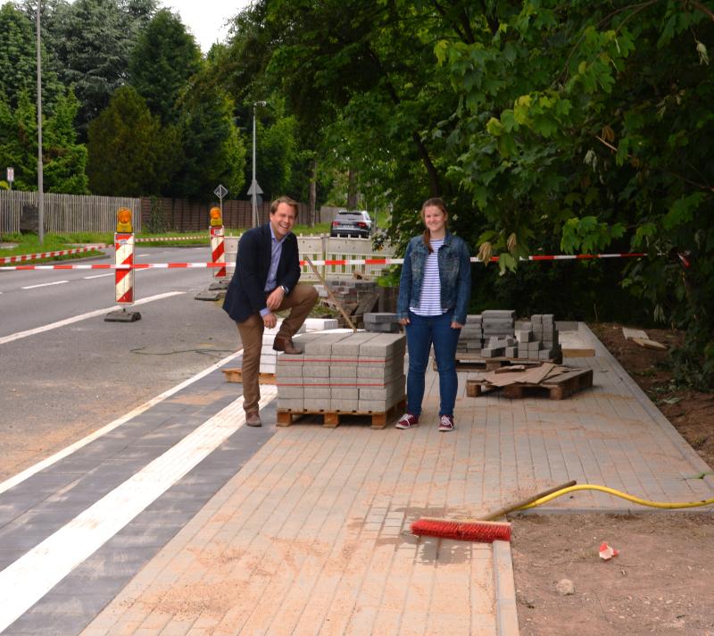 Neue Bushaltestelle in Butzheim vor der Fertigstellung