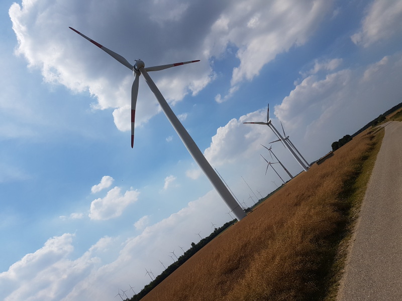 Abstand zwischen Wohngebieten und Windkraftanlagen – Regionalrat ignoriert neuen Koalitionsvertrag