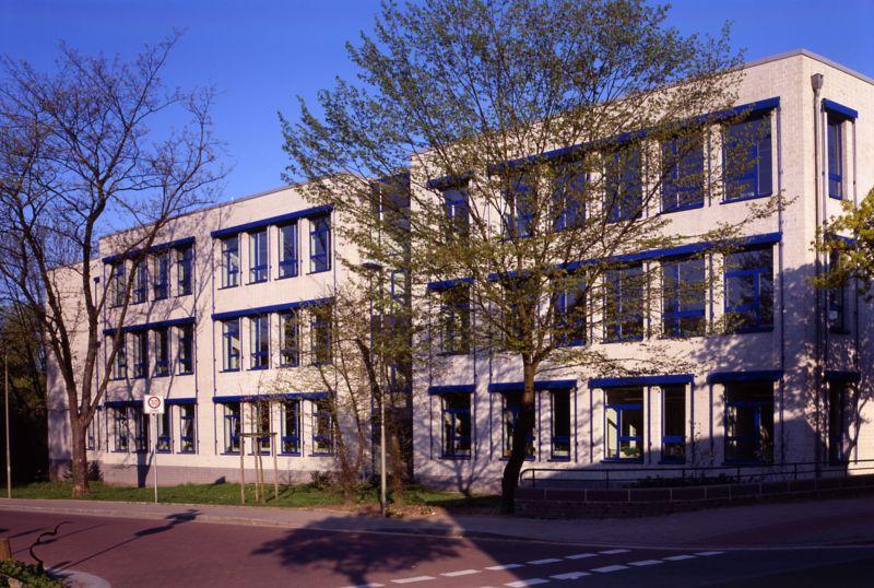 Berufskolleg Neuss Weingartstraße:  Seit 20 Jahren EMAS-Zertifikat für nachhaltiges Handeln